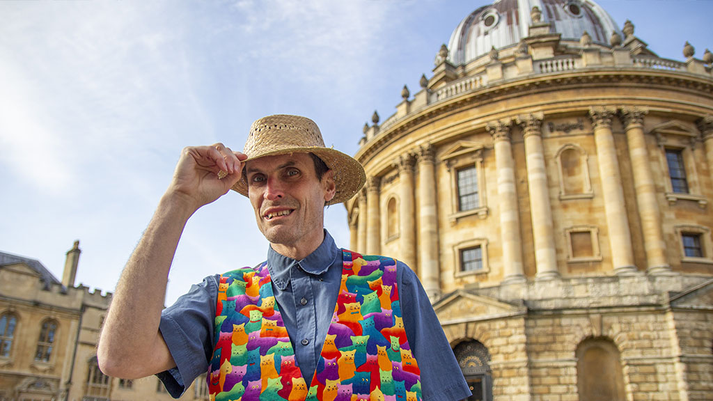 Oxford Time Tours, Introducing Peter Hart outside the Radcliffe Camera, Oxford